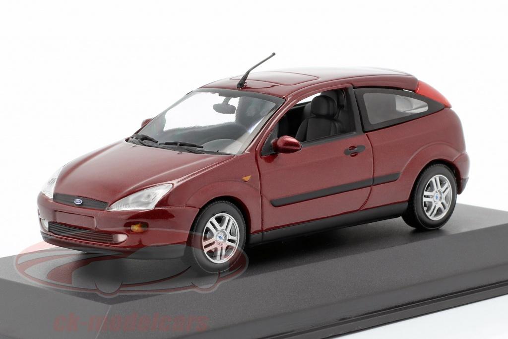 minichamps-1-43-ford-focus-3-portes-rouge-metallique-0748723867806/