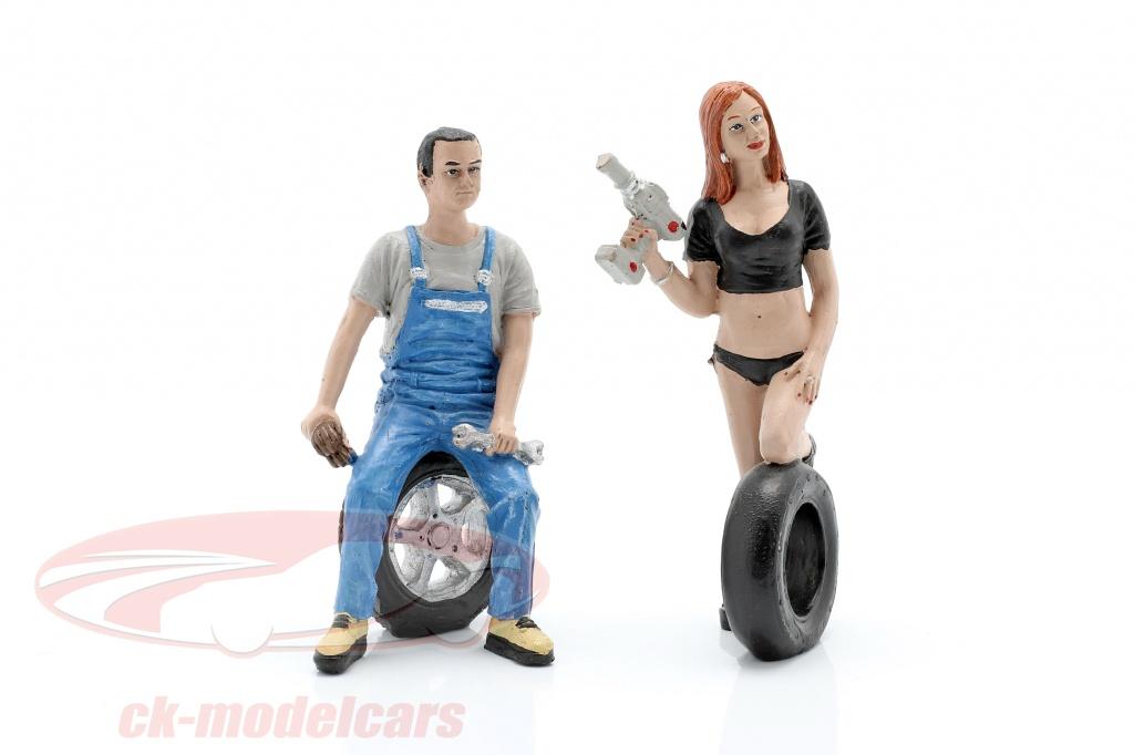 motorheadminiatures-1-18-tire-brigade-figura-set-no2-derek-michele-mhm768/