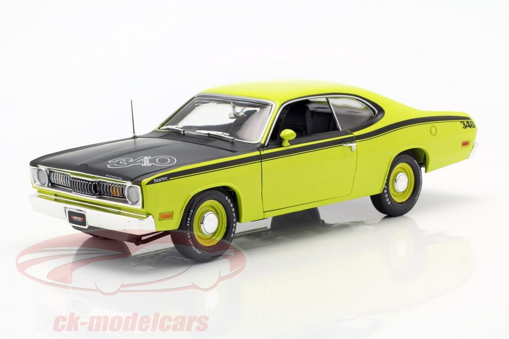 autoworld-1-18-plymouth-duster-340-bouwjaar-1971-groen-zwart-amm1154-06/