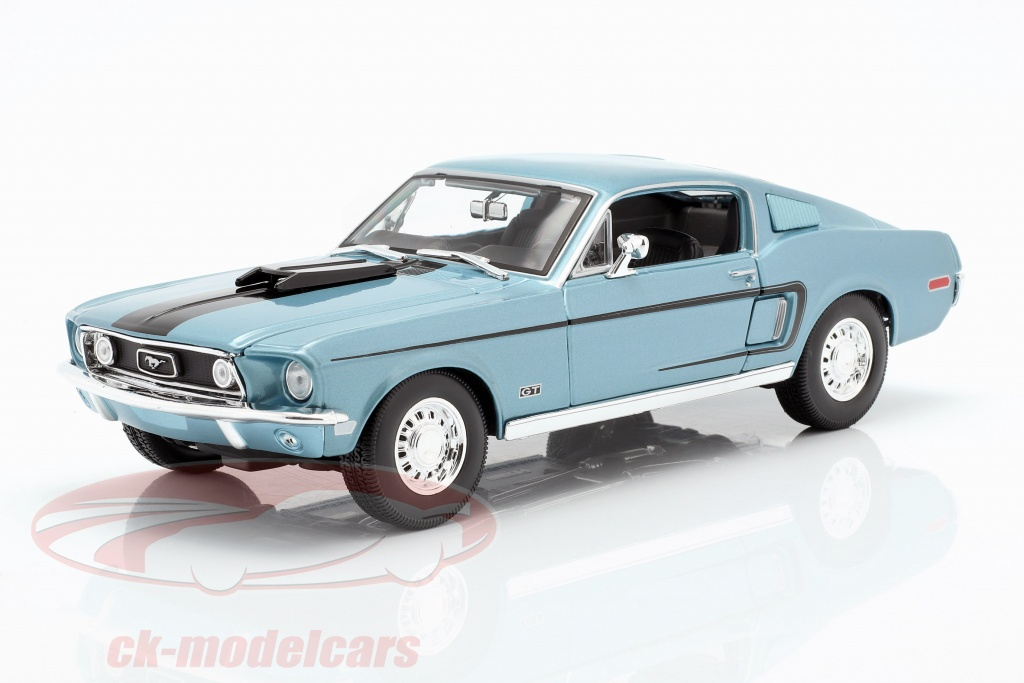 maisto-1-18-ford-mustang-gt-cobra-jet-annee-1968-bleu-metallique-noir-31167/