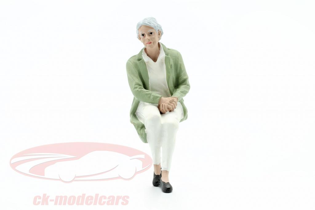 american-diorama-1-18-assis-vieux-couple-la-figure-no2-ad38235/