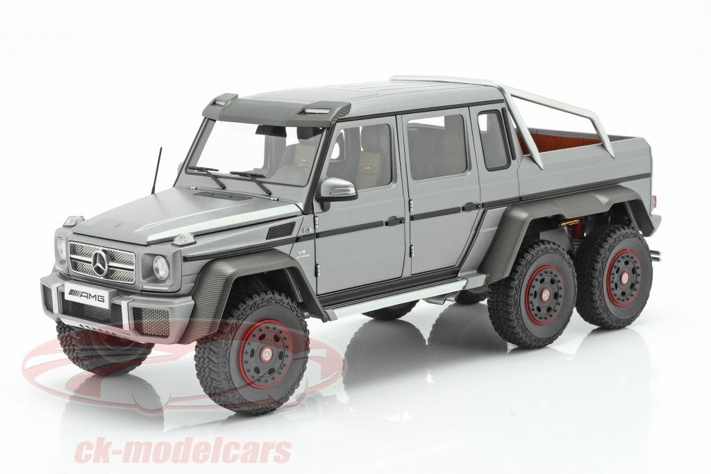 autoart-1-18-mercedes-benz-g63-amg-6x6-bouwjaar-2013-designo-platinum-magno-76308/
