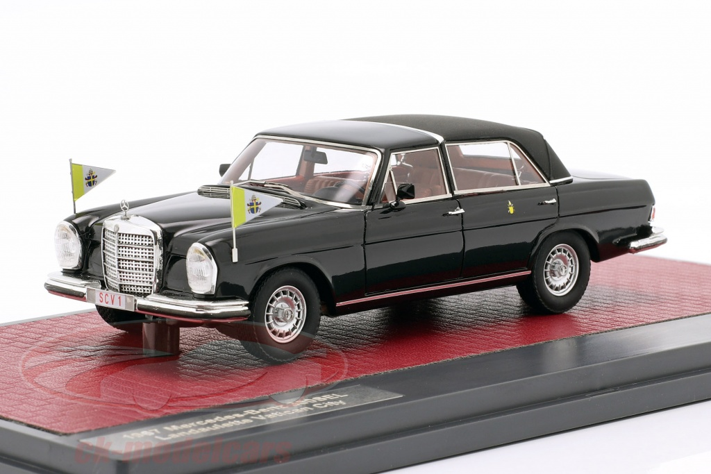 matrix-1-43-mercedes-benz-300sel-landaulette-vatican-city-closed-top-1967-black-mx41302-062/
