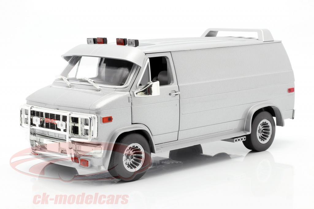 greenlight-1-18-gmc-vandura-custom-ano-de-construcao-1983-prata-metalico-13568/