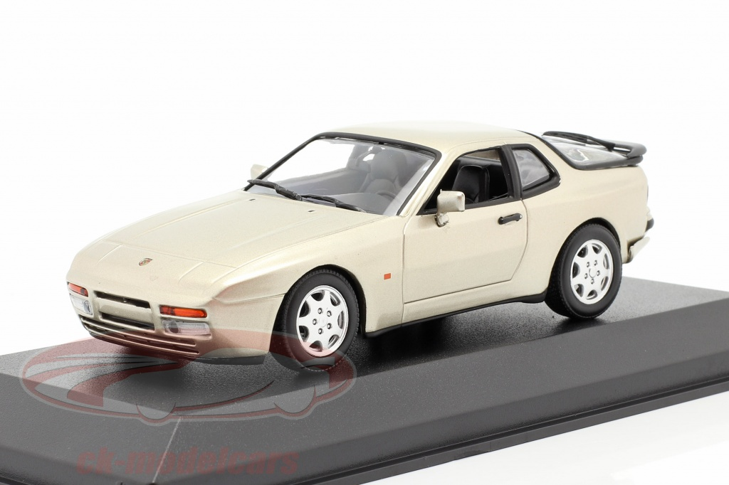 minichamps-1-43-porsche-944-s2-annee-de-construction-1989-beige-metallique-940062220/