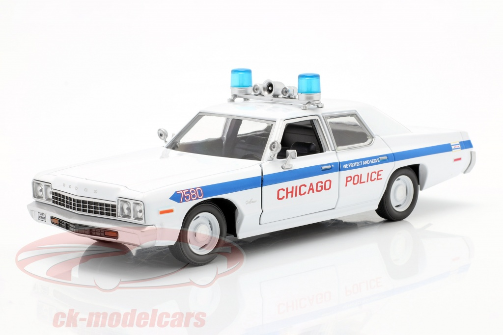 greenlight-1-24-dodge-monaco-chicago-police-department-blues-brothers-1980-weiss-84012/