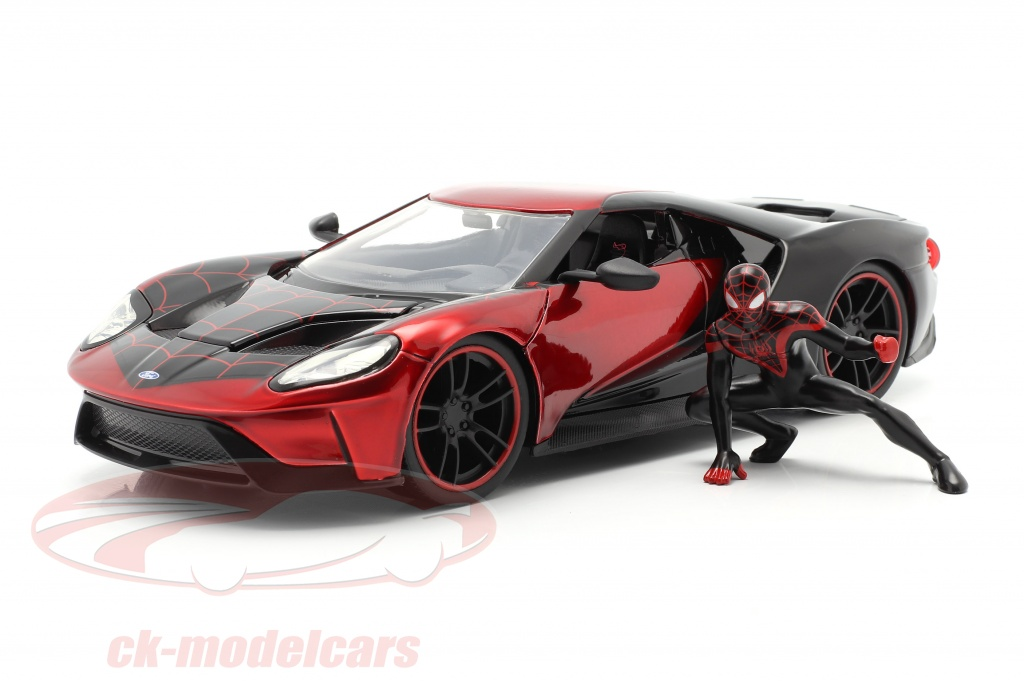 jadatoys-1-24-ford-gt-2017-with-figure-miles-morales-movie-spider-man-2018-31190/