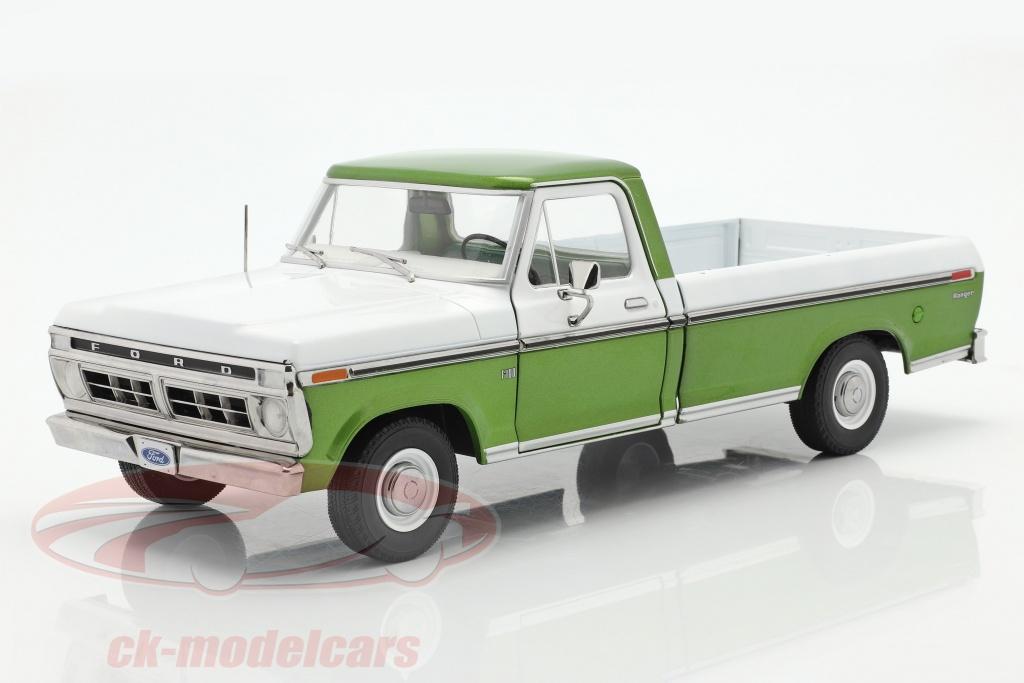 greenlight-1-18-ford-f-100-recoger-ano-de-construccion-1976-con-cubrir-verde-blanco-13545/