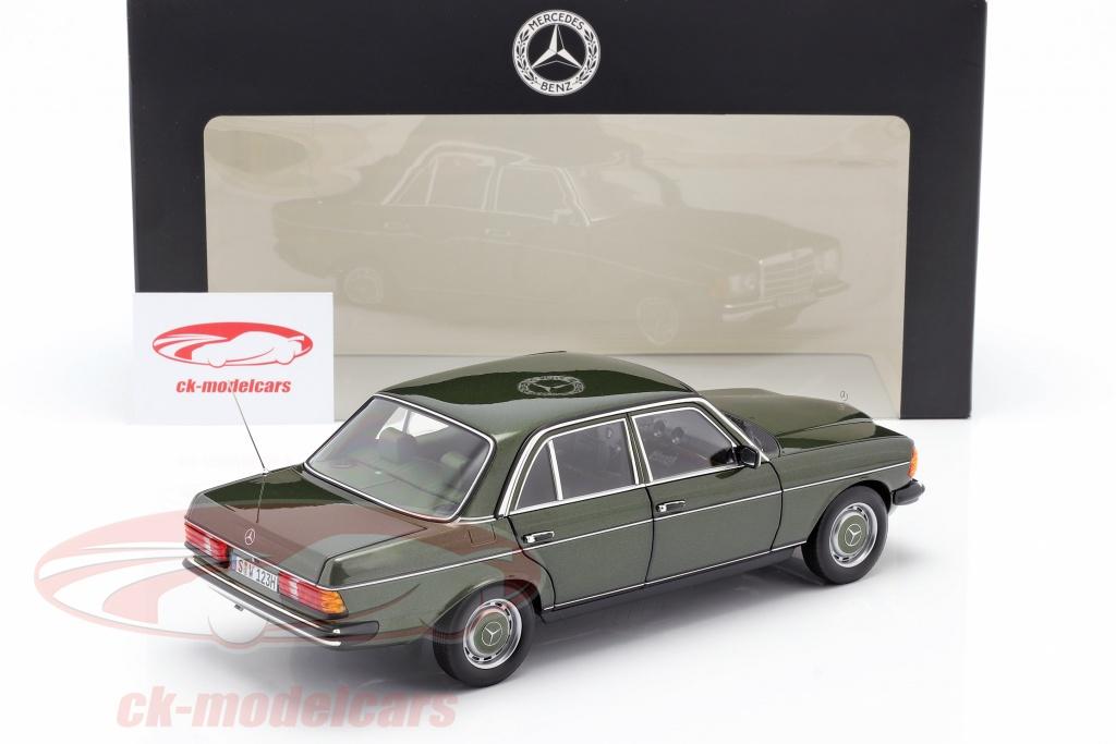 Mercedes-Benz Clase C T-modelo verde oscuro 89137 de Busch licensed by daimler