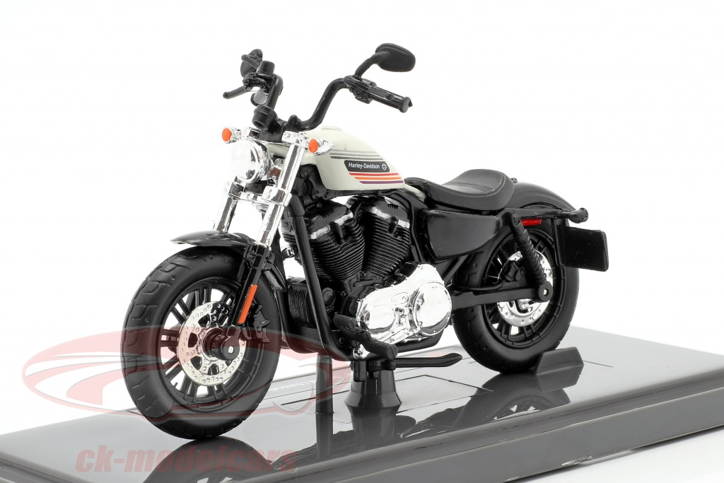 maisto-1-18-harley-davidson-forty-eight-special-australian-version-2018-negro-blanco-39360/