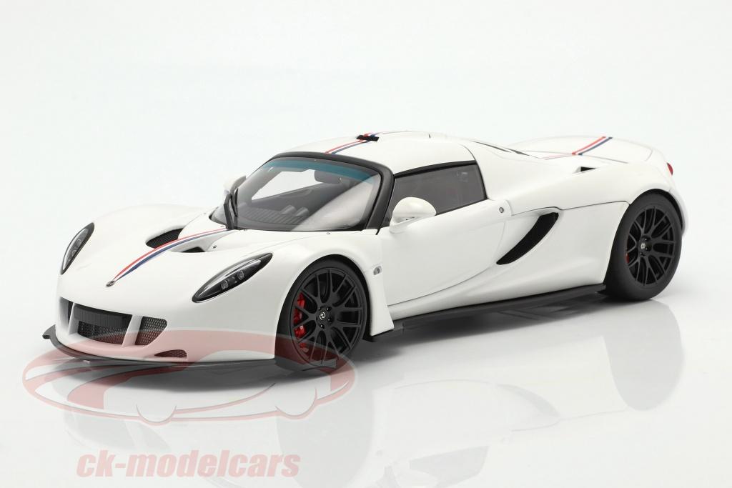 autoart-1-18-hennessey-venom-gt-coupe-spider-bygger-2012-hvid-75405/
