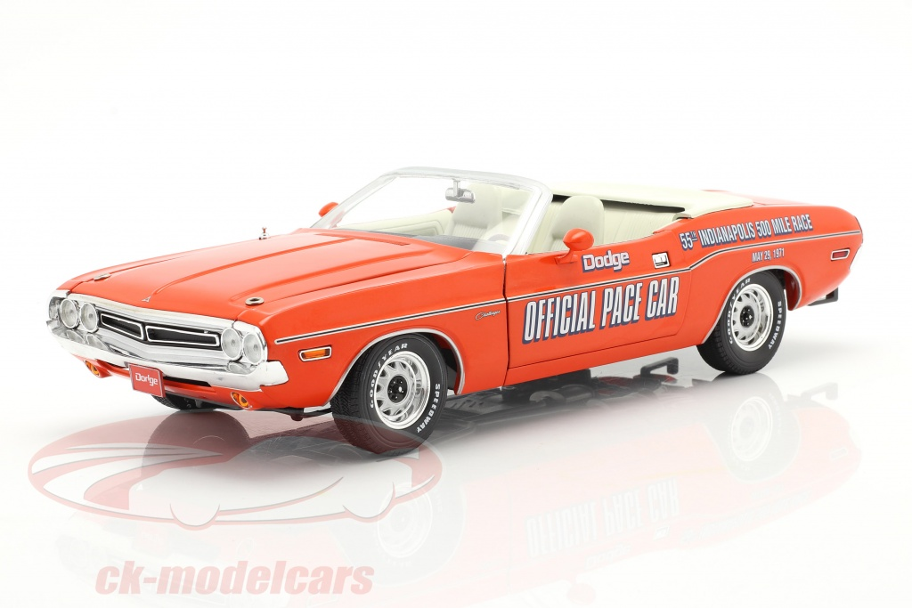 greenlight-1-18-dodge-challenger-convertible-pace-car-55e-indy-500-1971-oranje-13569/