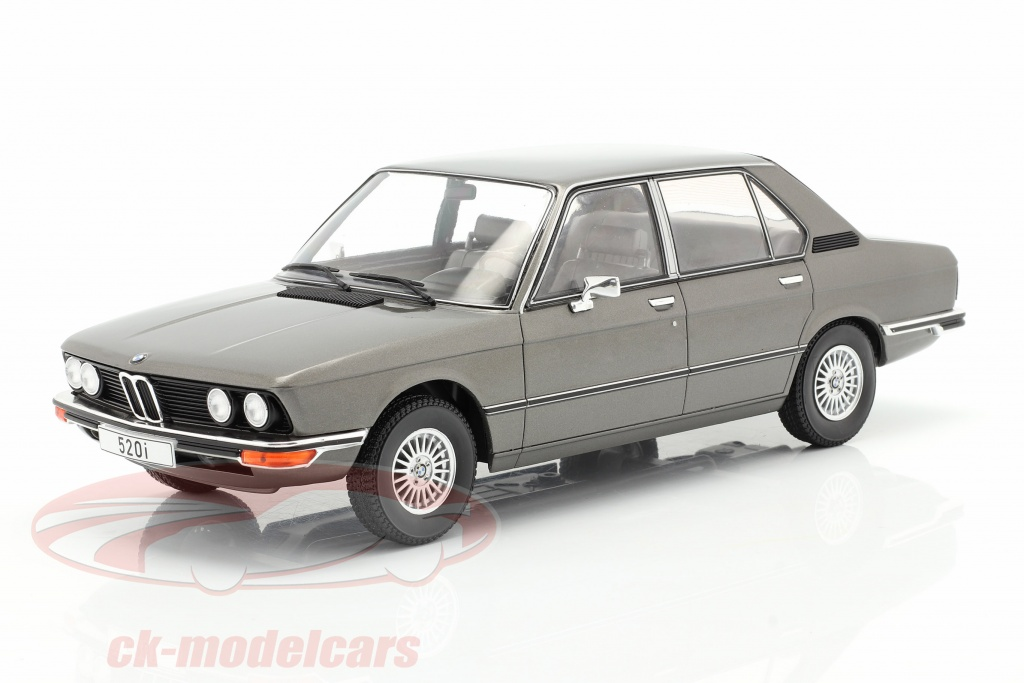 modelcar-group-1-18-bmw-5-series-e12-annee-de-construction-1974-gris-fonce-metallique-mcg18121/