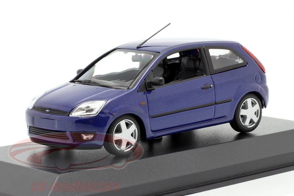 minichamps-1-43-ford-fiesta-ano-de-construccion-2002-azul-metalico-940081121/