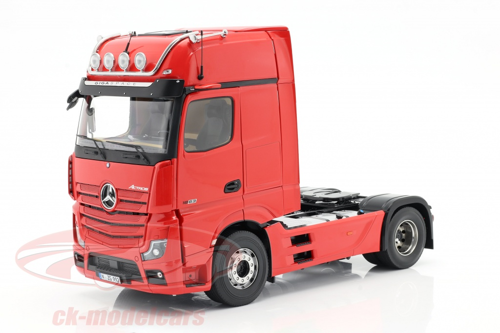 nzg-1-18-mercedes-benz-actros-gigaspace-4x2-camion-facelift-2018-rosso-992-10/