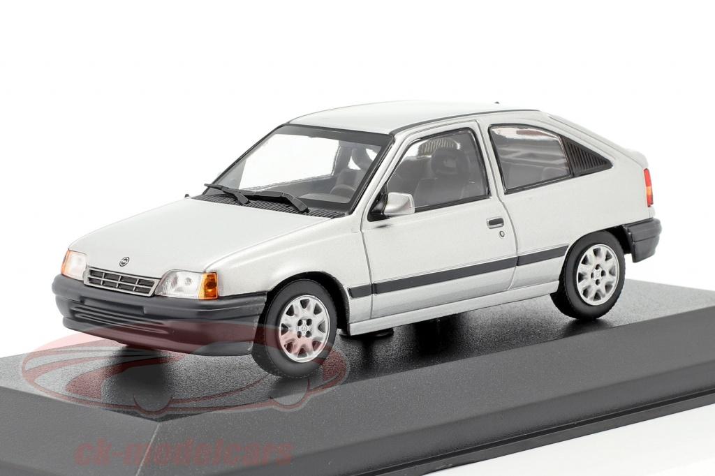 minichamps-1-43-opel-kadett-e-anno-di-costruzione-1990-argento-metallico-minichamp-940045900/