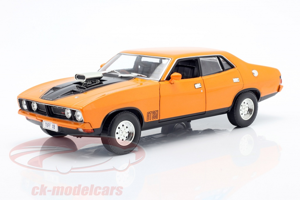 greenlight-1-18-ford-falcon-xb-gt-351-4-door-sedan-bygger-1974-orange-dda015/