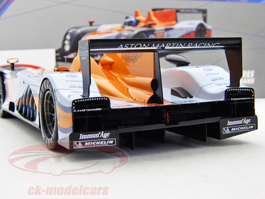 Spark 1 18 Aston Martin Amr One 007 24h Lemans 2011 18s068 Model