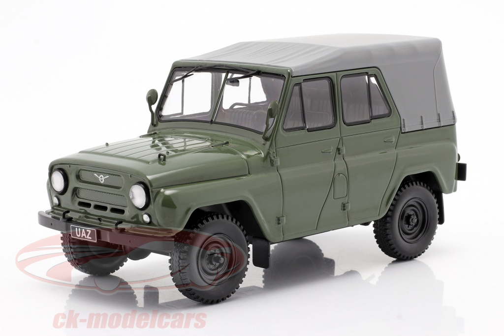 whitebox-1-24-uaz-469-olive-vert-wb124042/