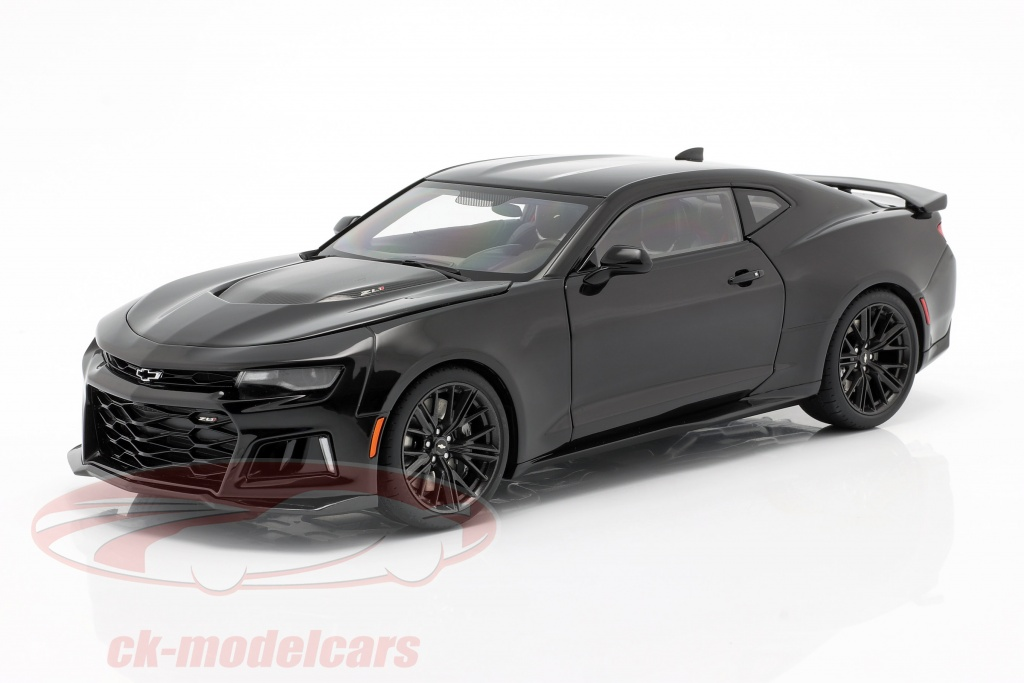 autoart-1-18-chevrolet-camaro-zl1-year-2017-black-71207/