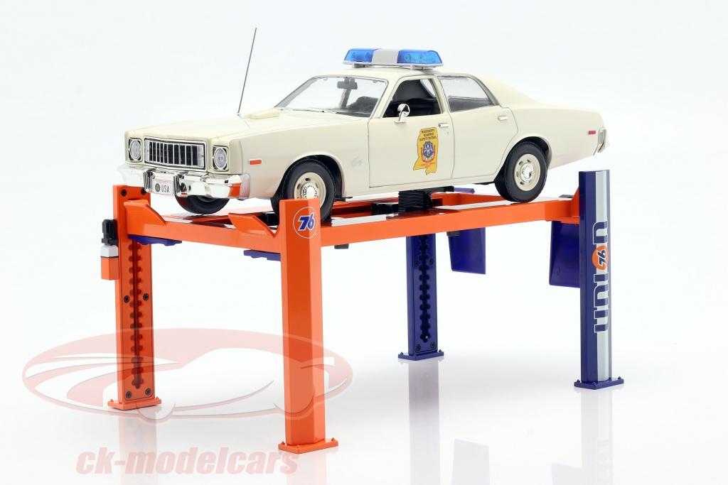 greenlight-1-18-adjustable-four-post-lift-union-76-blue-orange-13579/