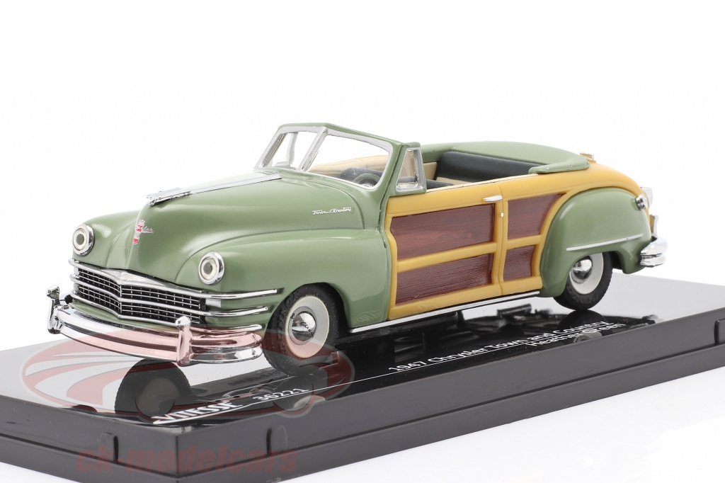 vitesse-1-43-chrysler-town-and-country-anno-1947-erica-verde-36221/