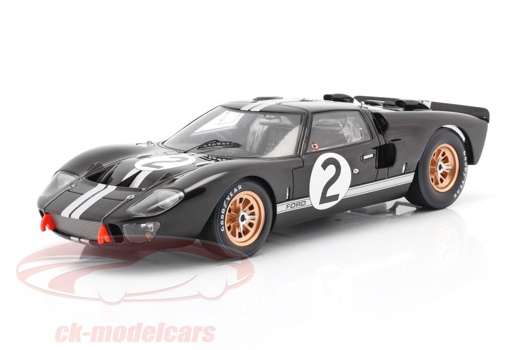 spark-1-18-ford-gt40-mk-ii-no2-vinder-24h-lemans-1966-mclaren-amon-18lm66/