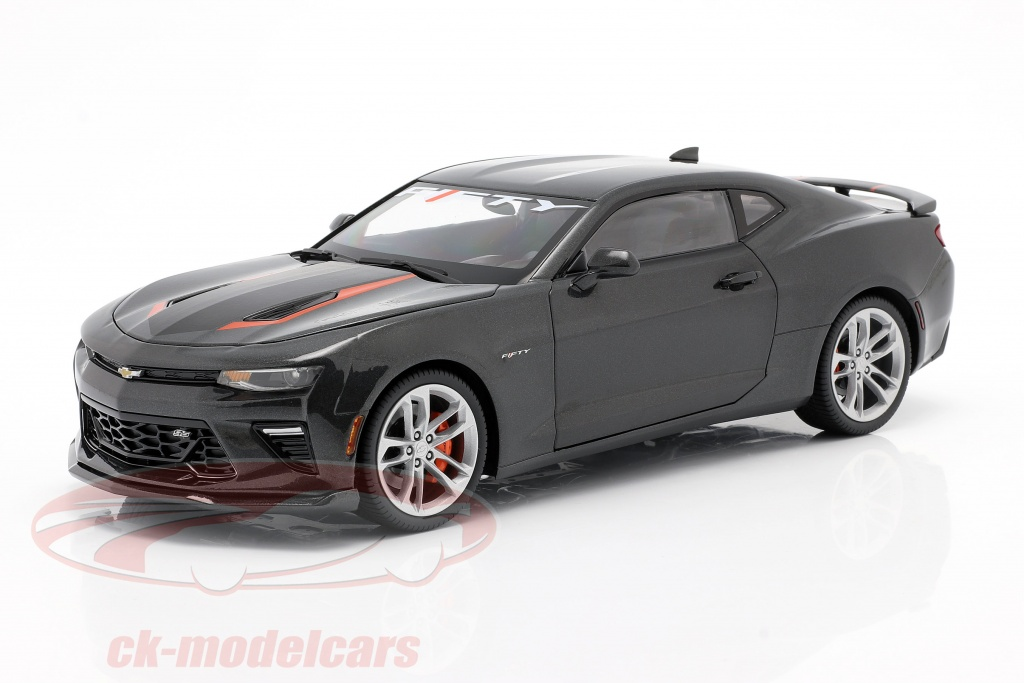 autoworld-1-18-chevrolet-camaro-ss-year-2017-grey-metallic-aw243/