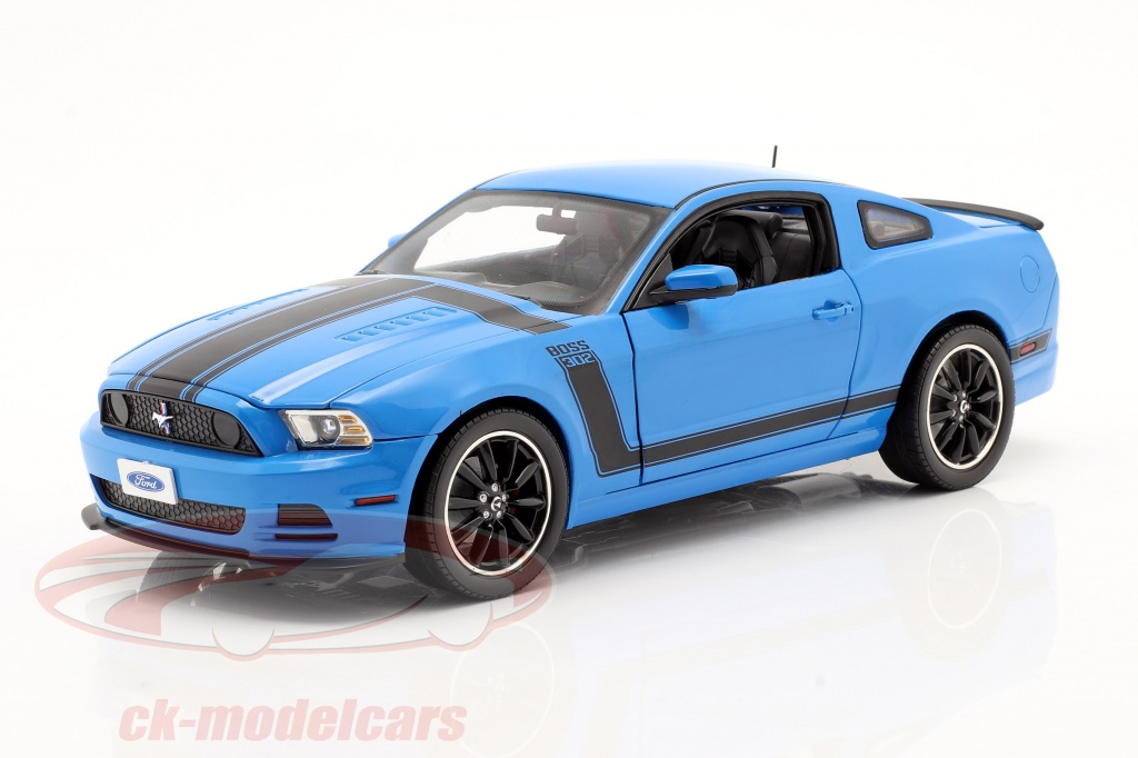 shelby-collectibles-1-18-ford-mustang-boss-302-year-2013-blue-black-shelby450/
