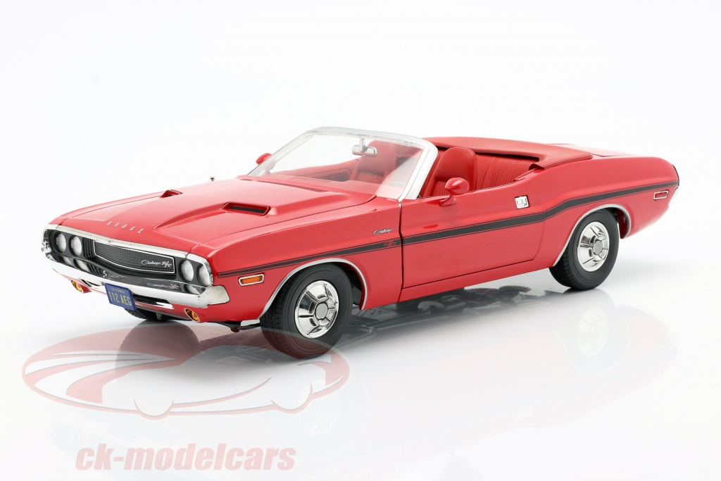 greenlight-1-18-dodge-challenger-r-t-1970-tv-serier-the-mod-squad-1968-1973-rd-13565/