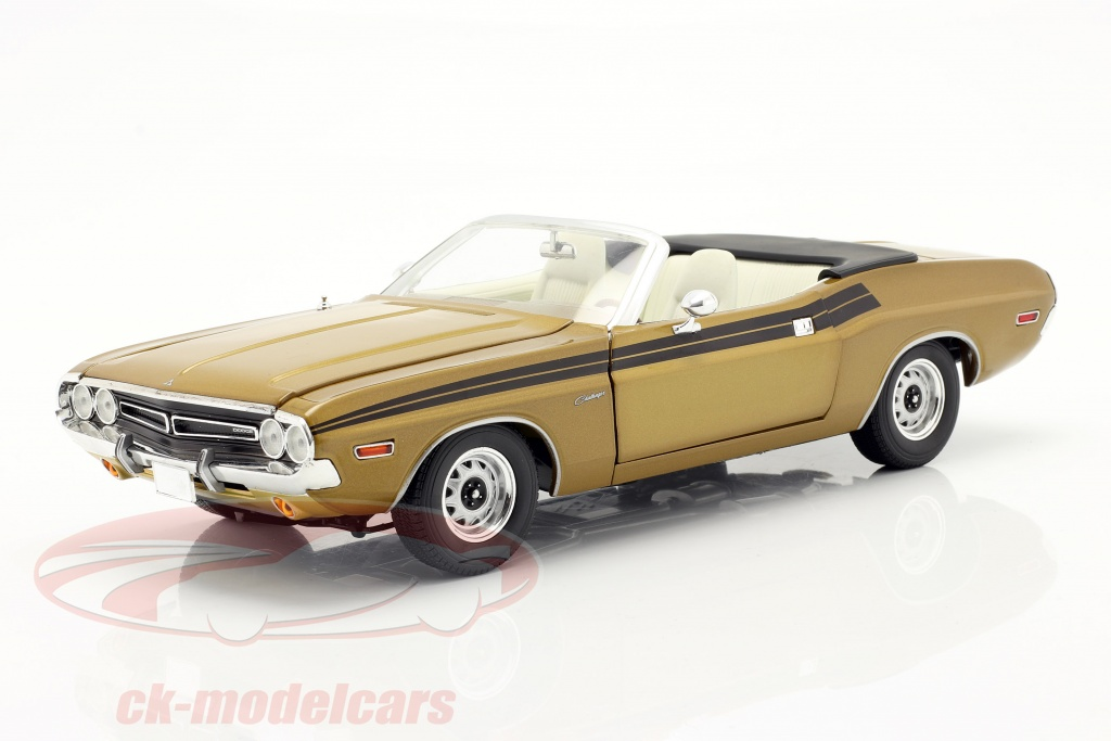 greenlight-1-18-dodge-challenger-340-1971-tv-series-the-mod-squad-1968-73-gold-13566/