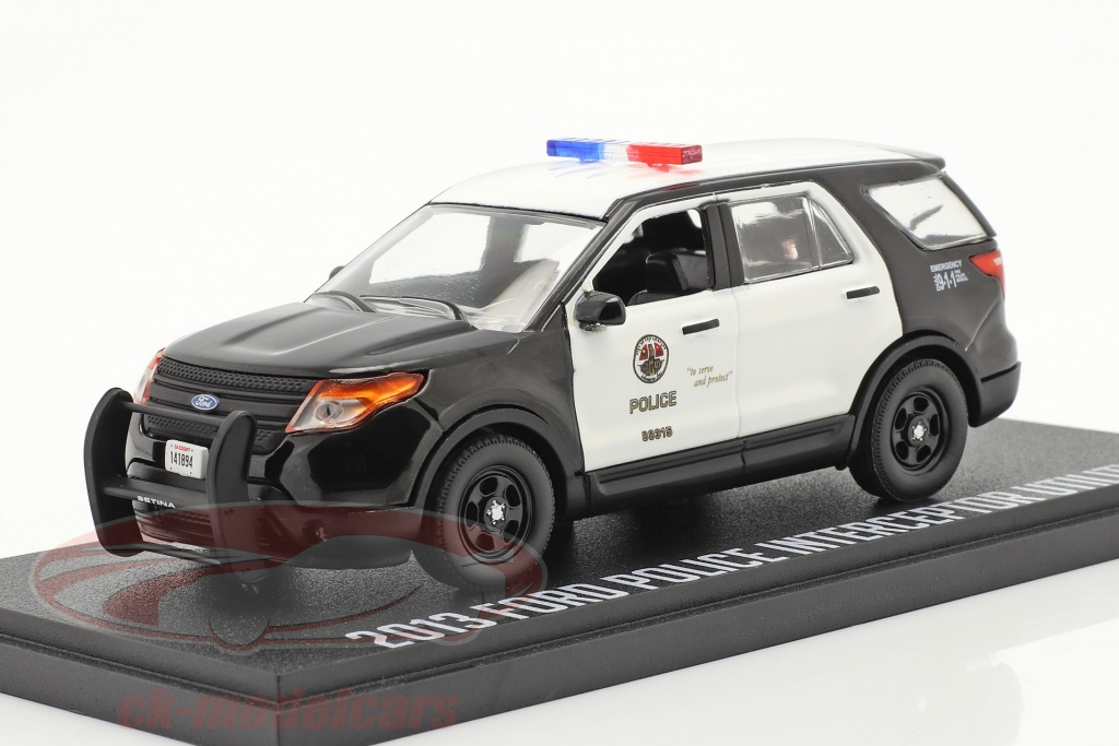 greenlight-1-43-ford-police-interceptor-utility-2013-tv-serier-the-rookie-2018-86587/
