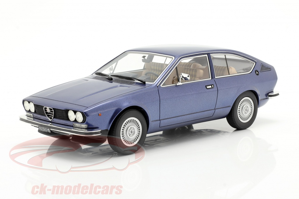 cult-scale-models-1-18-alfa-romeo-alfetta-gt-ano-de-construccion-1975-azul-metalico-cml083-2/