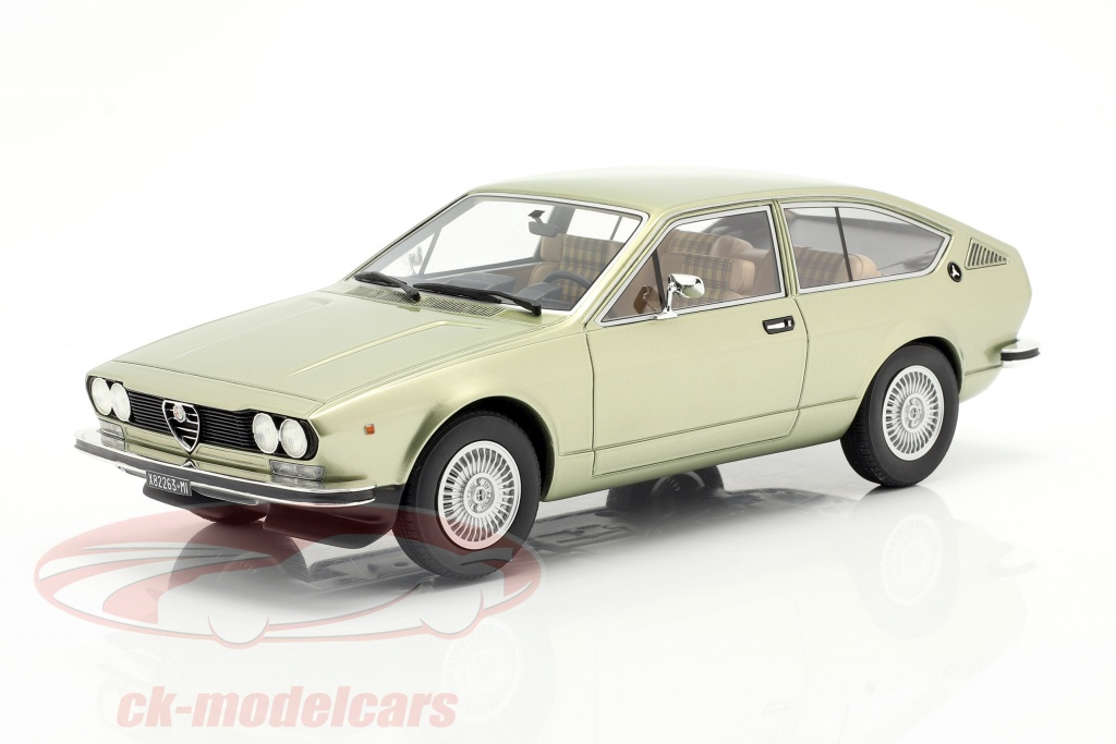 cult-scale-models-1-18-alfa-romeo-alfetta-gt-year-1975-light-green-metallic-cml083-1/