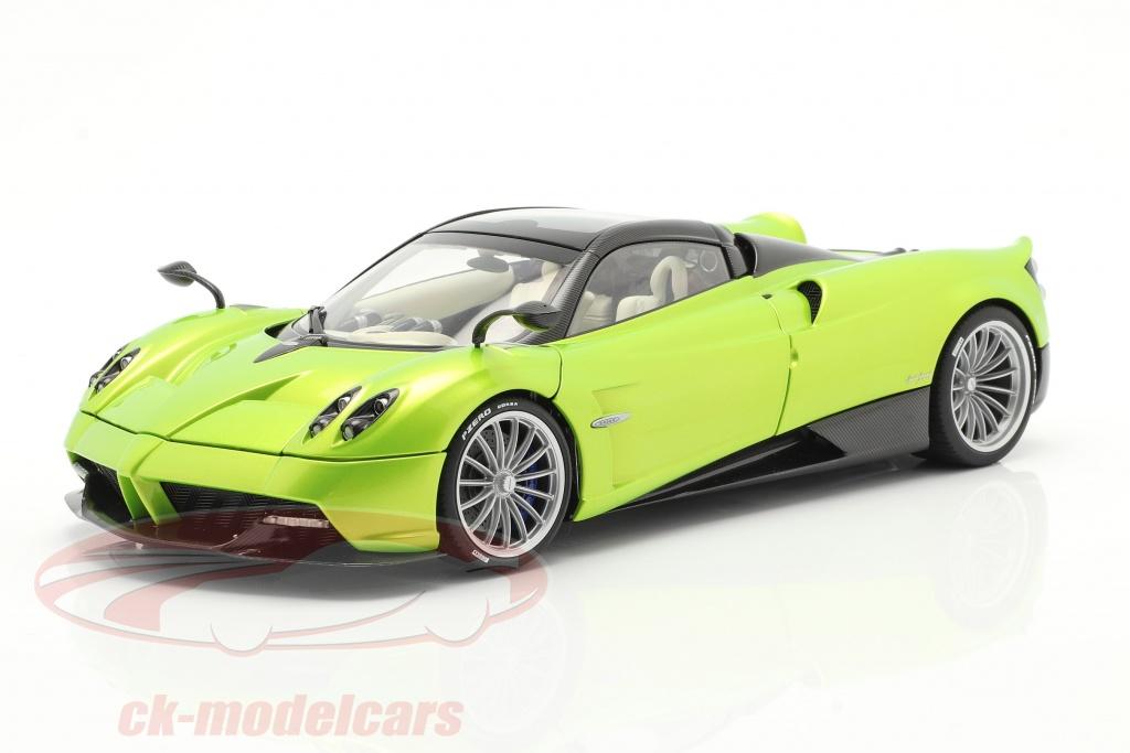 autoart-1-18-pagani-huayra-roadster-ano-de-construccion-2017-ligero-verde-metalico-78288/