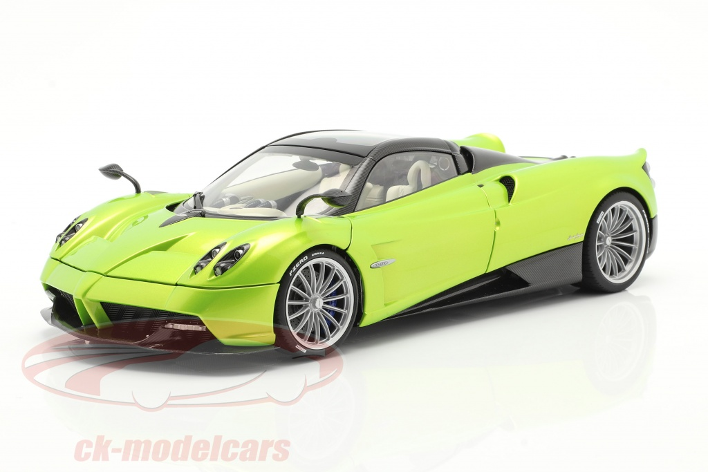 autoart-1-18-pagani-huayra-roadster-year-2017-light-green-metallic-78288/