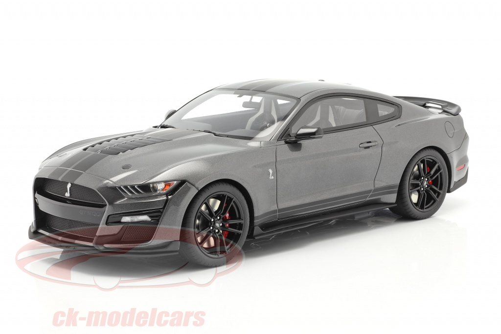 gt-spirit-1-12-ford-mustang-shelby-gt500-year-2020-magnetic-gray-gt814/