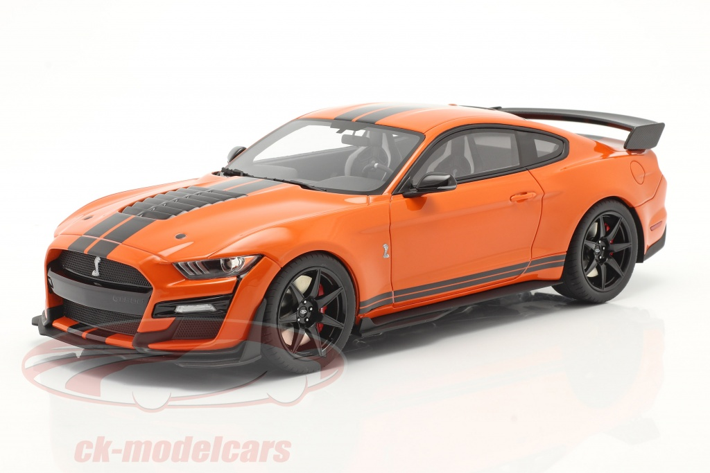 gt-spirit-1-18-ford-mustang-shelby-gt500-bygger-2020-twister-orange-sort-us035/