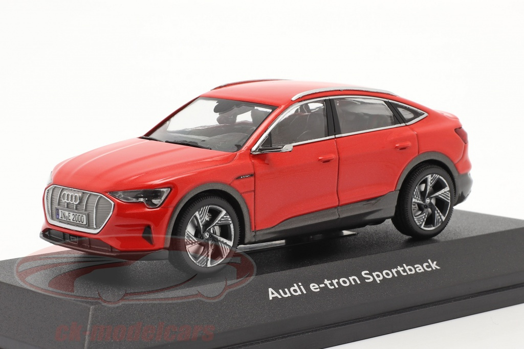 iscale-1-43-audi-e-tron-sportback-anno-di-costruzione-2020-catalunya-rosso-4300110/