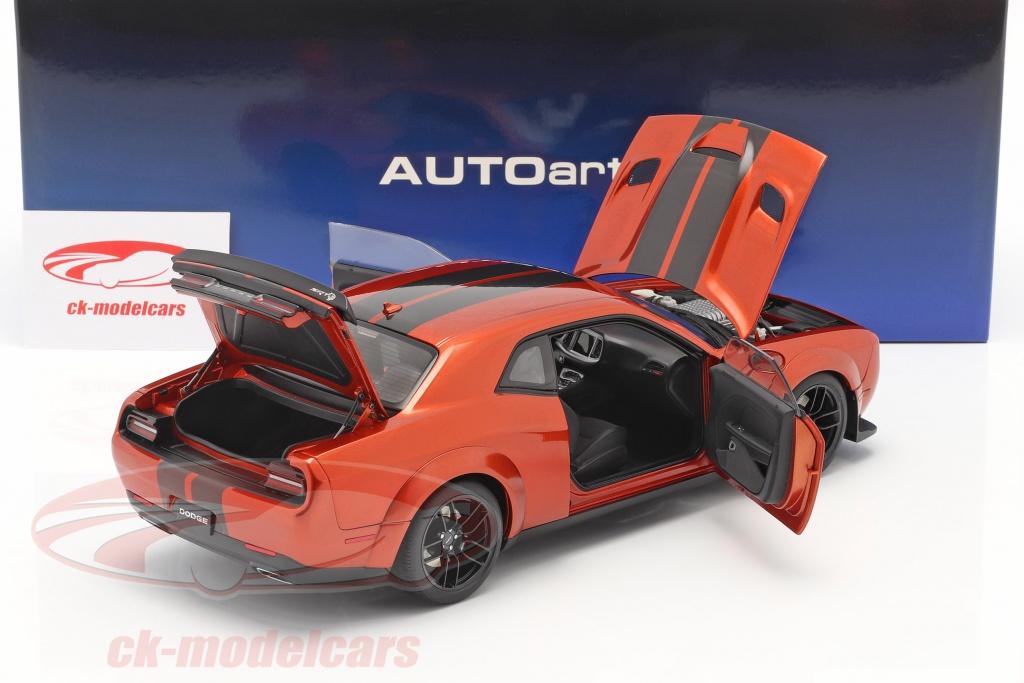 autoart-1-18-dodge-challenger-srt-hellcat-widebody-bouwjaar-2018-donker-oranje-71736/