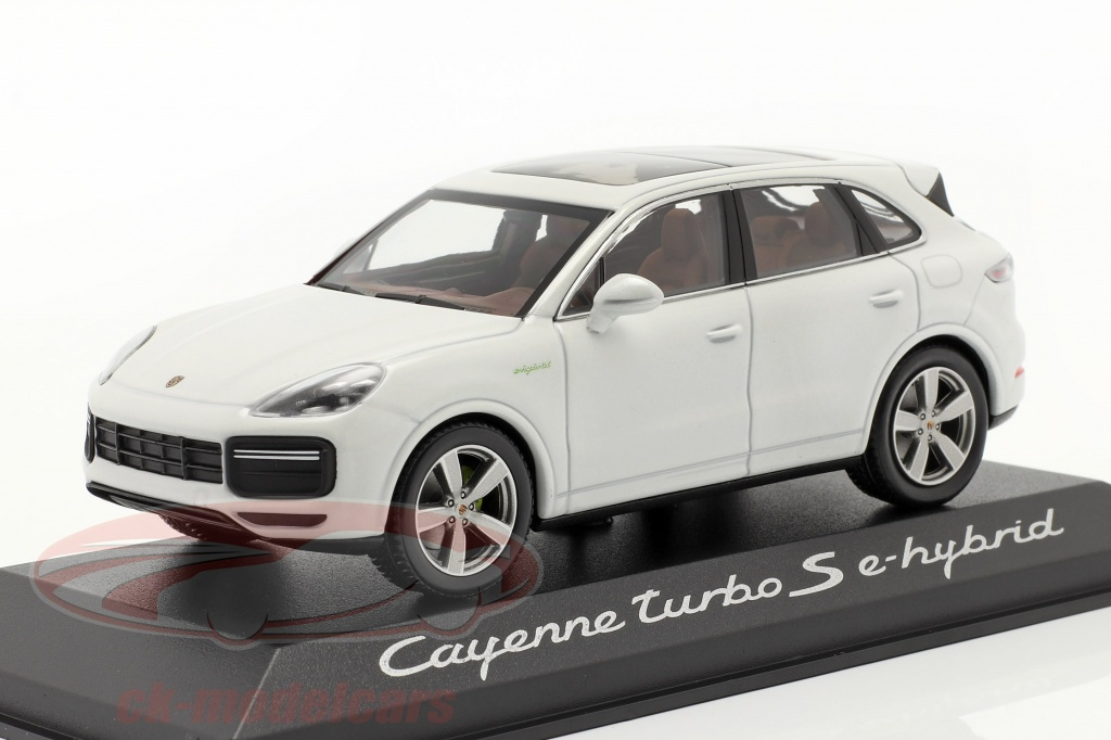 minichamps-1-43-porsche-cayenne-turbo-s-e-hybrid-bygger-2019-carrara-hvid-wap0203140k/