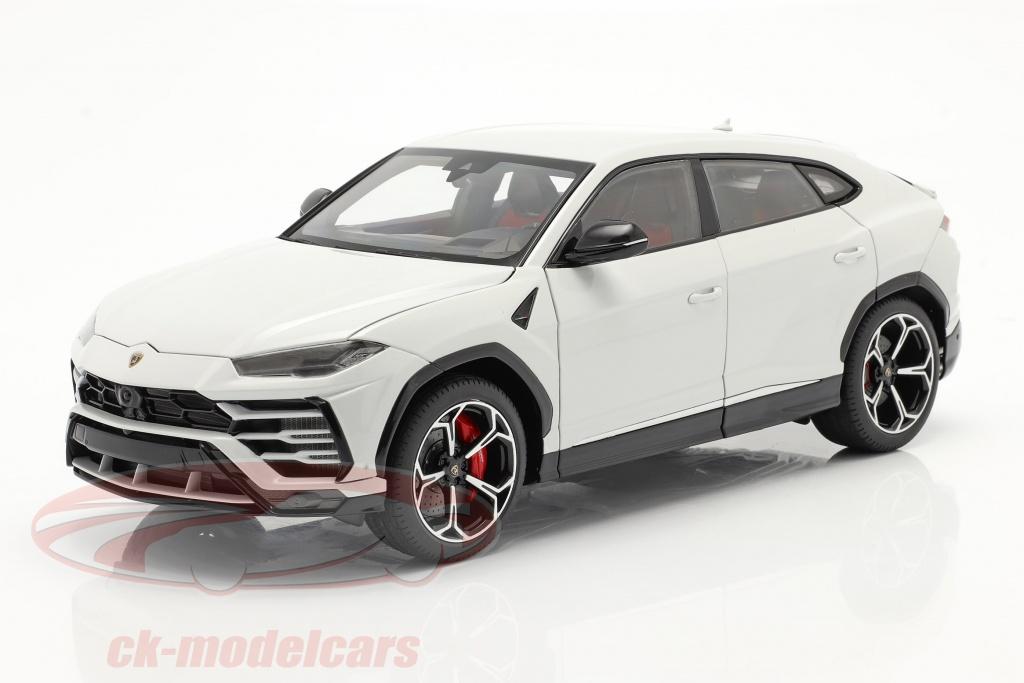 autoart-1-18-lamborghini-urus-bygger-2018-hvid-metallisk-79161/
