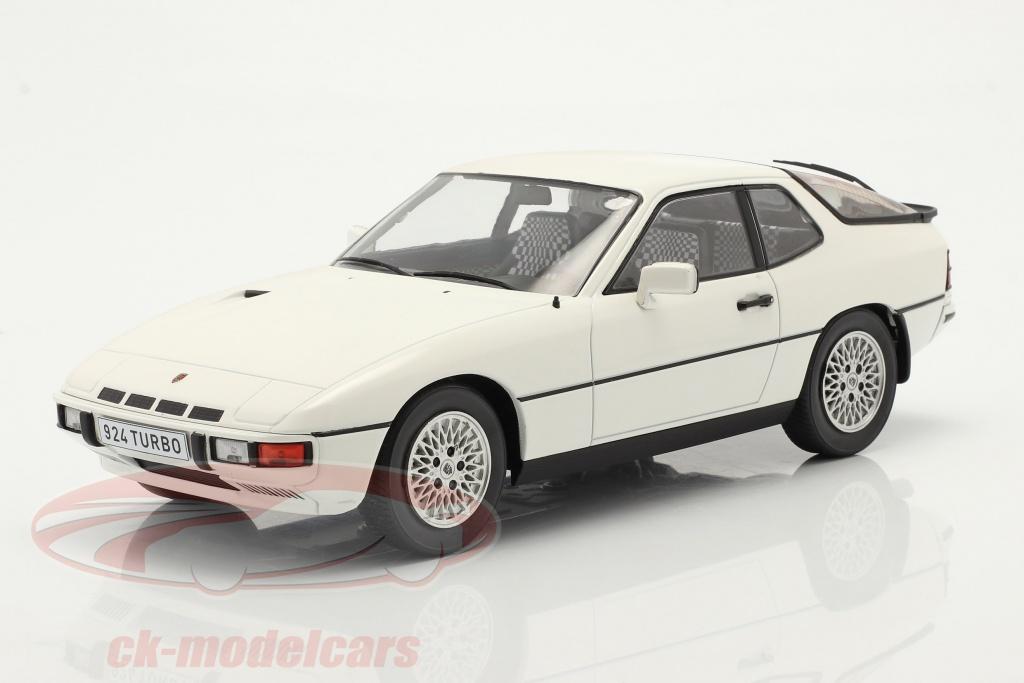 modelcar-group-1-18-porsche-924-turbo-bygger-1979-hvid-mcg18194/