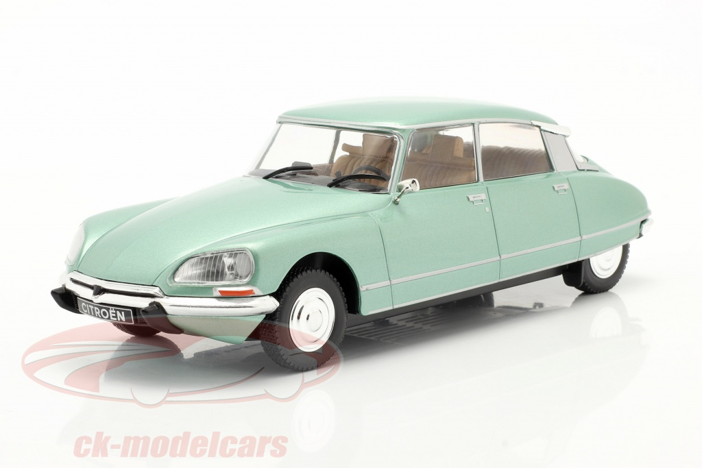 whitebox-1-24-citroen-ds-23-pallas-annee-de-construction-1973-vert-clair-metallique-wb124052/