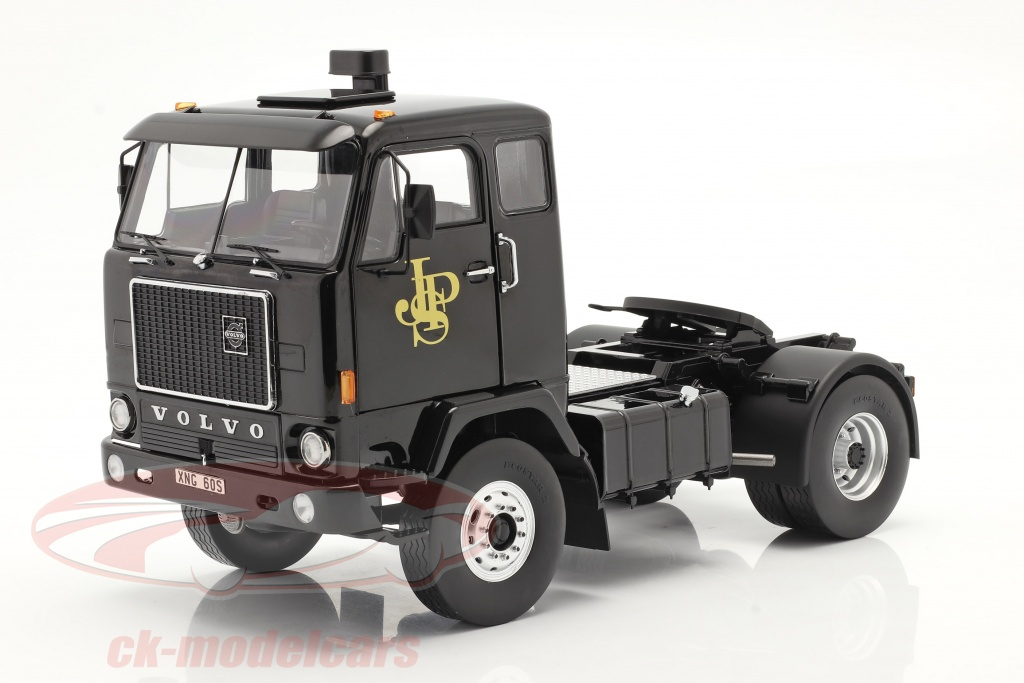 modelcar-group-1-18-volvo-f88-vrachtwagen-john-player-team-lotus-1977-zwart-mcg18217/