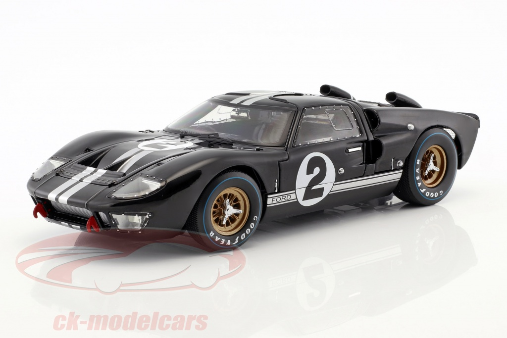 shelby-collectibles-1-18-24h-lemans-1966collectors-set-bestil-med-ford-gt40-no1-no2-ck67119-shelby408-shelby411-9783964530455/