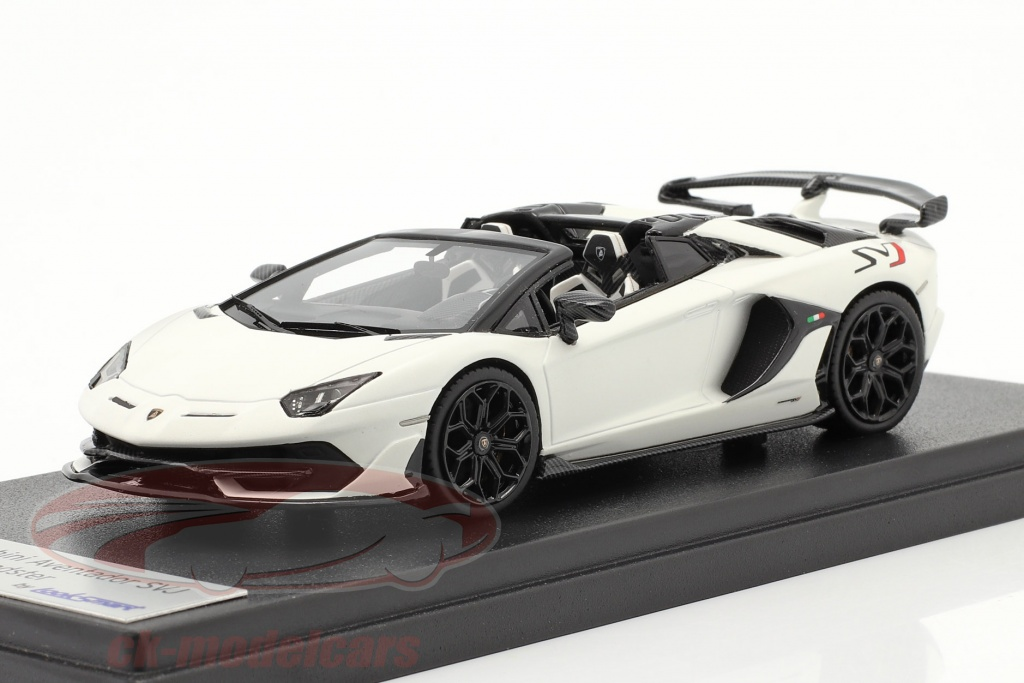 looksmart-1-43-lamborghini-aventador-svj-roadster-annee-de-construction-2019-phanes-blanc-ls501b/