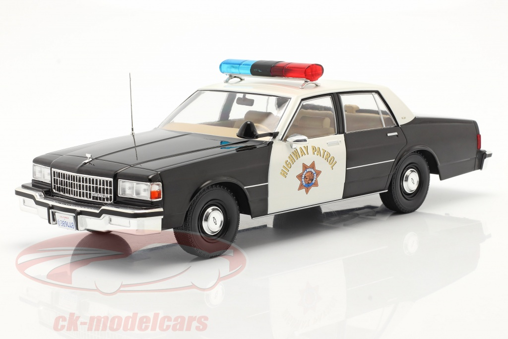 modelcar-group-1-18-chevrolet-caprice-highway-patrol-1987-nero-bianca-mcg18218/