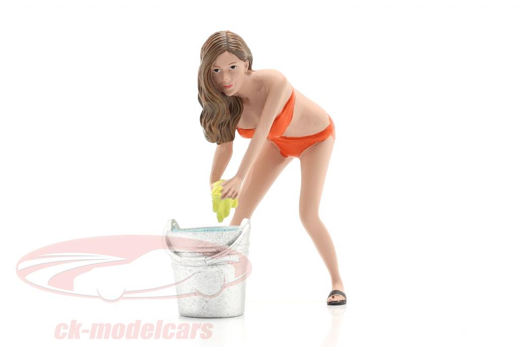 american-diorama-1-18-bikini-car-wash-girl-cindy-avec-baquet-chiffre-ad76264/
