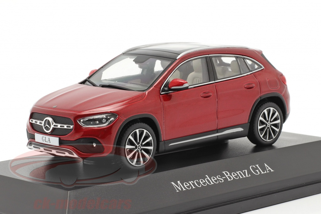 spark-1-43-mercedes-benz-gla-h247-year-2020-designo-patagonia-red-bright-b66961035/